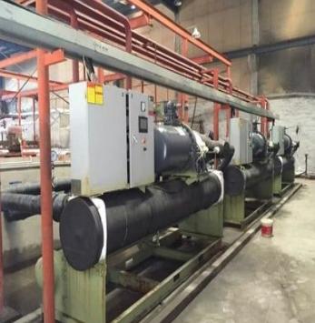 工业螺杆冷冻机装置根据真空箱试验装置达标后,便可使用装置内的真空箱状况开展空调制冷剂的添加运行。